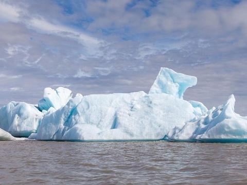 冰岛首次因气候变化消失了第一座冰山——科学家警告称将有更多