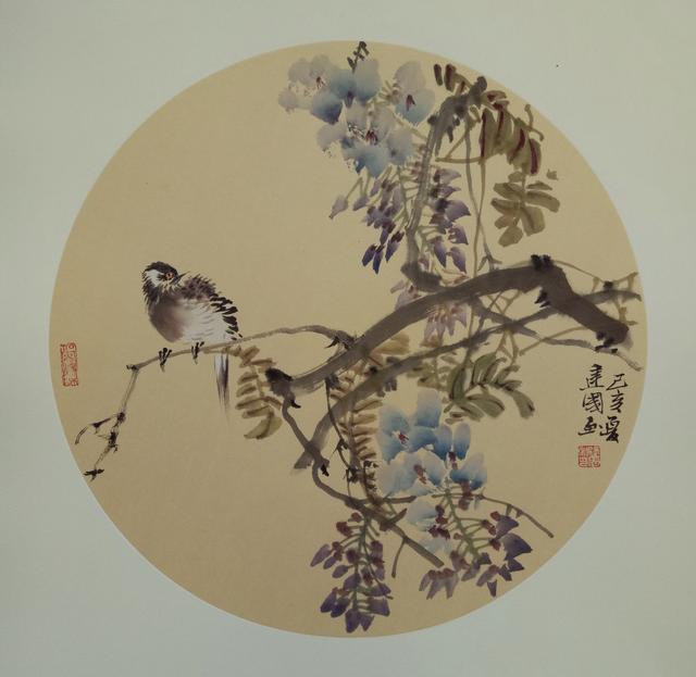 中国美协会员施建国水墨创作枝头鸟,路人巧配打油诗,妙极了