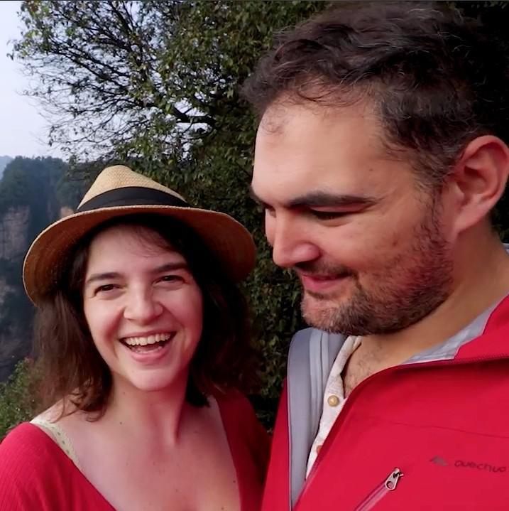 这对比利时夫妇看到湖南张家界美景后 激动哭了