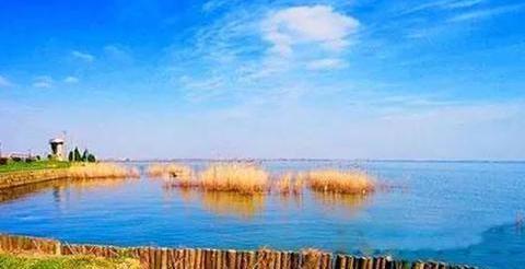 秋后青海周边游:年宝玉则,上海淀山湖,江苏锦溪古镇,云南沧源