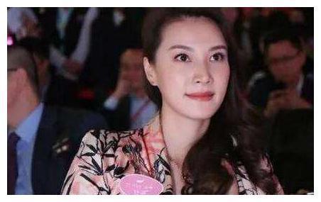 36岁林丹身价数亿,妻子孕期却出轨,谢杏芳选择原谅,37岁当CEO