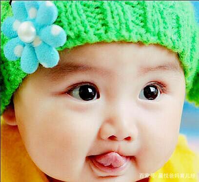 新生儿翻身太早或太迟,可能患了某种疾病?宝妈要注意宝宝这4点