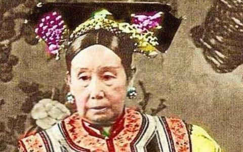 大清国另一个女强人,慈禧从始至终都不是她的对手,更斗不过她