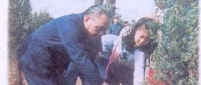献礼新中国成立70周年丨课文里的红色篇章之《邓小平爷爷植树》