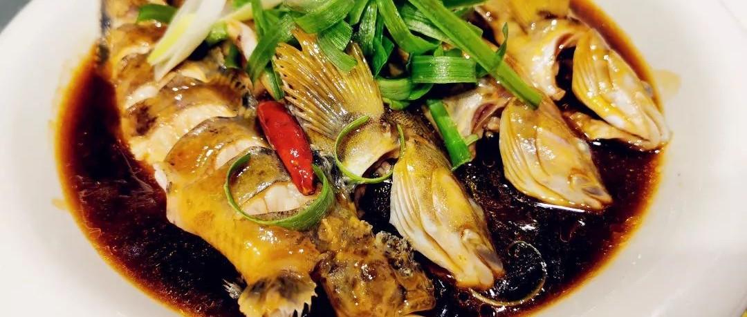 酸菜海蛎子扇贝铜火锅上线!20天卖14000斤虾爬子 1000斤活鱼焖出渔家菜的牛!