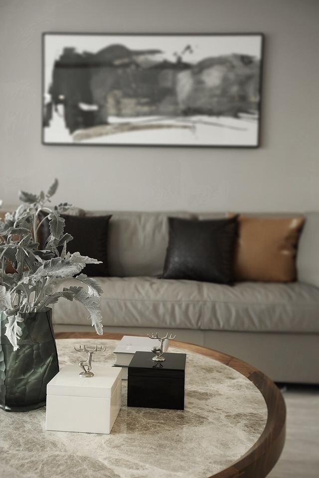 现代简约风装修,客厅光线明亮通透,看到就想搬进去住!