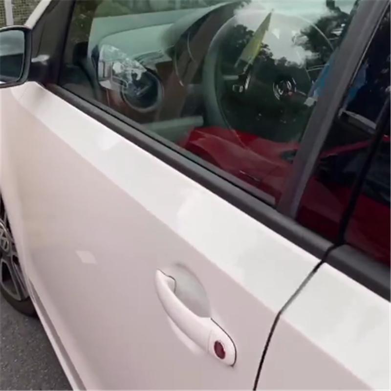 比Smart实用,全车纯进口,顶配不到13万,还配主动刹车却停产了
