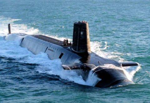 """世界上吨位""""最小""""的核潜艇,排水量仅2670吨 ,最高航速25节"""