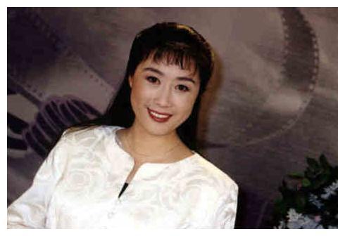 一手捧红孙楠前妻,现在苍老满头银发,曾被误传去世