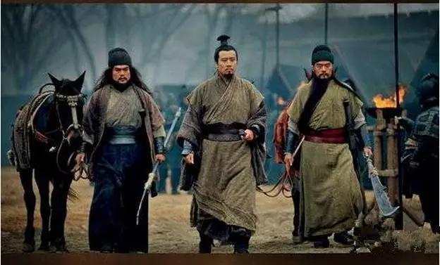 三国历史:刘备一心建功立业,却为何鞭打督邮弃官而去?
