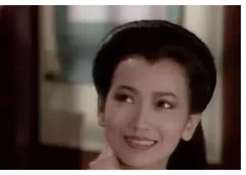 38岁饰演白娘子已是倾国倾城, 你们可见过赵雅芝19岁的模样