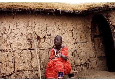 """非洲原始部落的""""野蛮""""婚礼,新娘痛哭出嫁,游客却只能围观"""