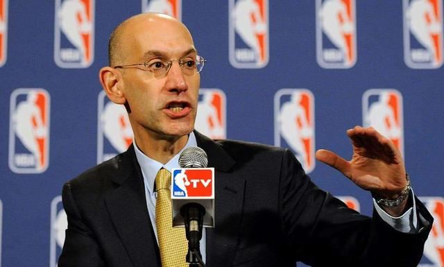 NBA总裁肖华再遇大麻烦,残局不知如何收场,遭球员及主持人诟病