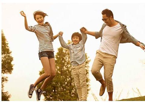 """对于孩子该放手时就放手,""""懒妈妈""""培养出优秀的孩子"""
