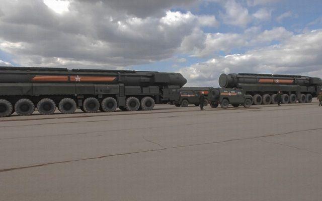 战略火箭军16枚导弹升空,5艘核潜艇出动,第二大国检验战略力量