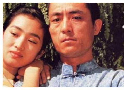 她爱上张艺谋走红,后嫁富豪仍不安分,今54岁恋上71岁外国男友