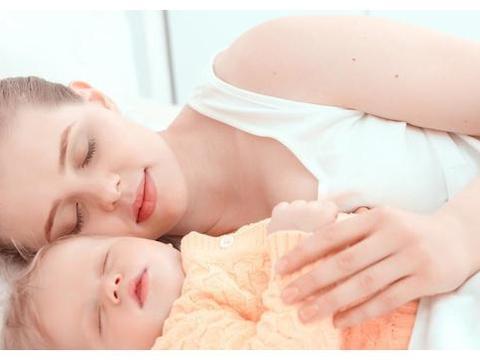 22岁妈妈产后第二天洗澡,夜里感觉浑身像虫咬,开灯后大喊救命