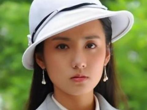 她吃火锅时被富二代看中,认识二十天结婚,被丈夫宠上天