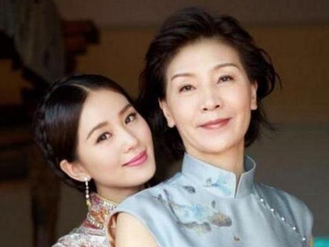 吴奇隆丈母娘,贾乃亮丈母娘,邓超的丈母娘,都不如他的最漂亮!