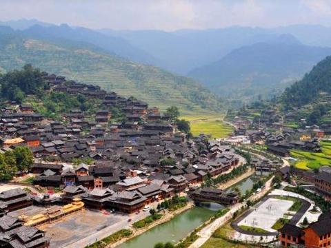 """中国的""""百节之城"""",每年各种大小民间民族节日集会136个"""