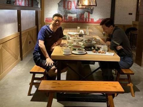 封面独家|百度董事长兼CEO李彦宏乌镇夜会网易董事长兼CEO丁磊