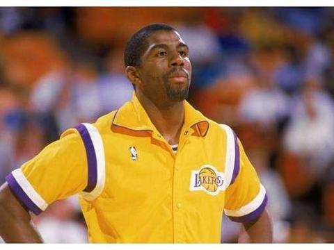 NBA2k排历史10大控球后卫,魔术师榜首,库里第二,威少垫底