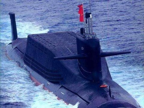 094A核潜艇逼近越南,龟背如城墙一般醒目