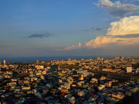 越南经济较落后,那100万人民币在越南能买什么房子?可算知道了