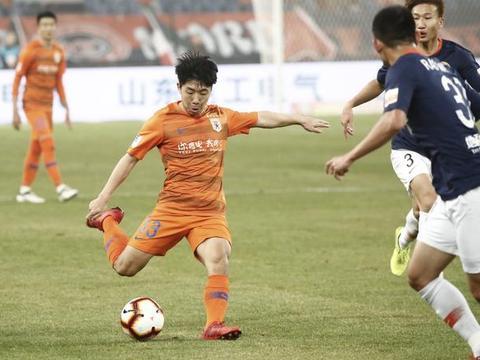 足协杯决赛鲁能迎来一项天然优势,金敬道与格德斯将获绝佳机会