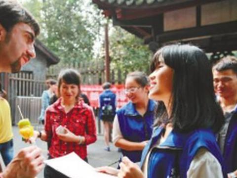 德国美女回国后直言:买什么都要现金,就不能向中国学习