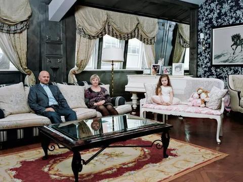 住在豪宅内的俄罗斯女仆,与奢华人生只有一线之隔