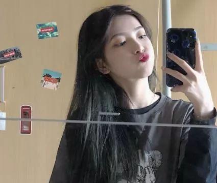 蓝黑色头发褪色后图片 蓝黑色头发完全褪色后图片