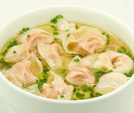 """老外认为中国最""""抠门""""的美食,食材用料少,仍然受到很多人喜欢"""