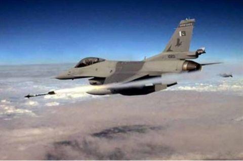 矛头不再对准巴基斯坦,莫迪警告另一死敌,若飞机越界将直接击落