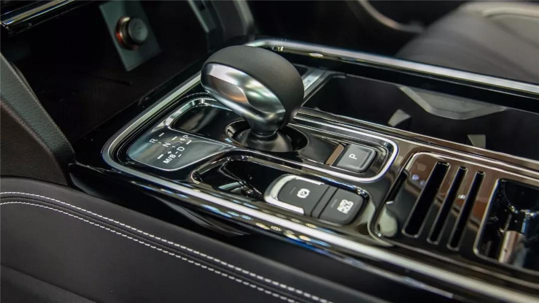 车没上市就被你们看个遍,广汽传祺新款GS8还能给它8分 体验150