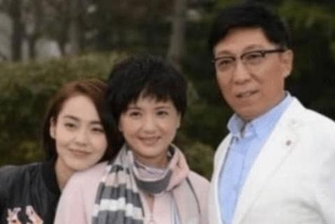 身为国家一级演员,丈夫离世守寡13年,如今53岁再嫁周迅恩师