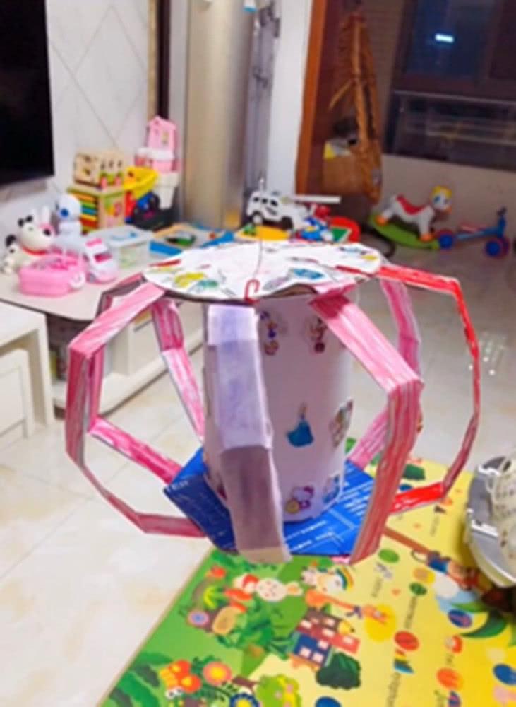 幼儿园布置手工灯笼的作业,爸爸坦言小菜一碟,结果却被疯狂打脸