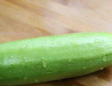 西葫芦最好吃的做法,清淡营养,帮助减肥瘦身,看一遍就能学会
