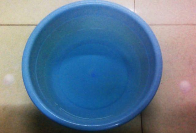 开空调时屋内太干燥,放一盆水是否有效呢?听听专家怎么说吧