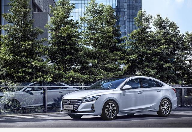 """从""""睿骋cc""""到""""锐程cc""""长安这款新中级车不仅换名那么简单"""