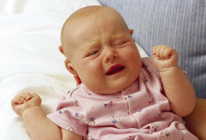 宝宝睡醒后如果出现这些行为,说明大脑正在发育,父母尽量别打扰