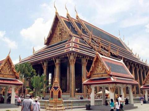 泰国是个旅游的好去处,告诉你为啥那么多女生喜欢去曼谷?