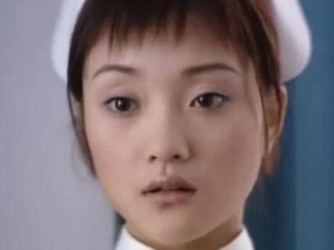李小璐20年前的旧照曝光,模样清纯,整没整容一目了然