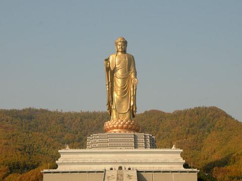 这座投资12亿约70层楼高的佛像,如今无人参拜,游客:拜不起