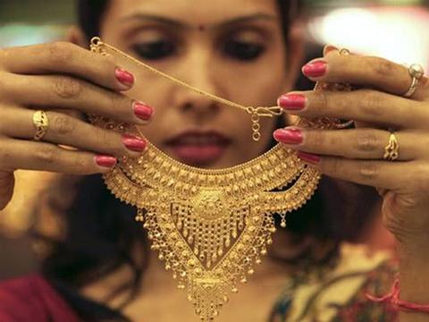 印度35年来每当黄金价格上涨就有上万女婴死亡,真相令人沉重