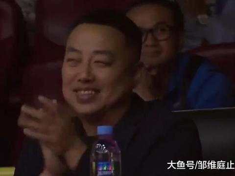 刘诗雯击败华裔黑马进决赛,双方上演神级对攻,刘国梁都看乐了