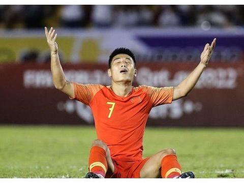 世预赛国足对阵叙利亚,里皮再迎一归化球员,和艾克森组超强锋线
