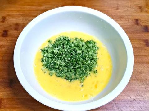 鸡蛋里面加西兰花,不用炒不油炸,鲜嫩营养,好吃到不想放下筷子