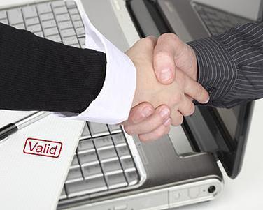已经长成领域大V的自媒体和企业进行合作,产生一些新的商业模式
