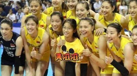朱婷妹妹12岁身高超1米7,她早被中国女排预定了,郎平曾亲自指点
